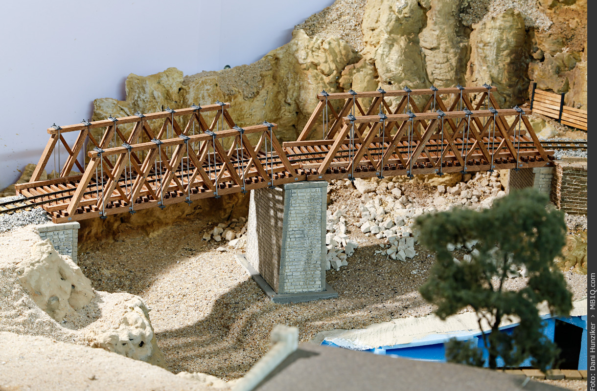 Wooden How Truss Bridges, 1/48 scale